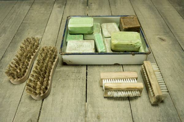 Enamel Tray with Soaps